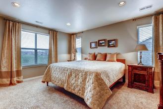 5691 Dunraven Golden CO 80403-large-014-13-2nd Floor Master Bedroom-1500x1000-72dpi