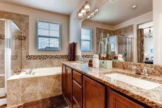 6268 Pike Ct B Arvada CO 80403-large-017-20-2nd Floor Master Bathroom-1500x1000-72dpi