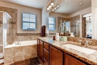 6268 Pike Ct B Arvada CO 80403-large-017-20-2nd Floor Master Bathroom-1500x1000-72dpi
