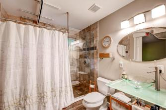 18416 W 59th Drive Golden CO-large-014-7-Master Bathroom-1500x1000-72dpi