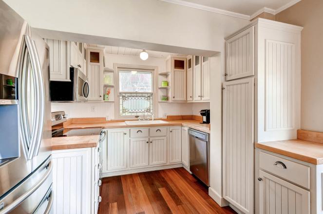 1220-cheyenne-st-golden-co-large-011-23-kitchen-1500x1000-72dpi