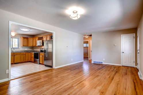 16142-w-13th-ave-golden-co-small-003-11-living-room-666x444-72dpi