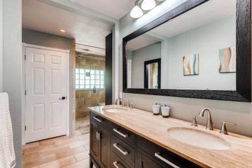 236 Allen St Golden CO 80401-MLS_Size-023-11-2nd Floor Master Bathroom-1800x1200-72dpi