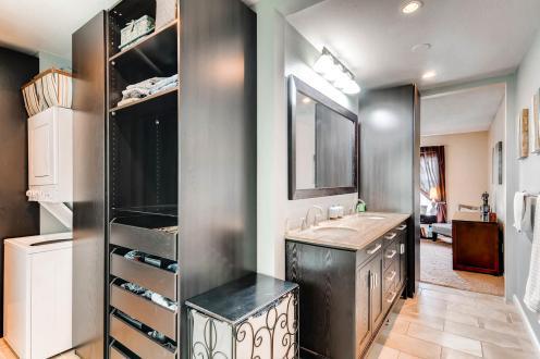236 Allen St Golden CO 80401-MLS_Size-024-36-2nd Floor Master Bathroom-1800x1200-72dpi