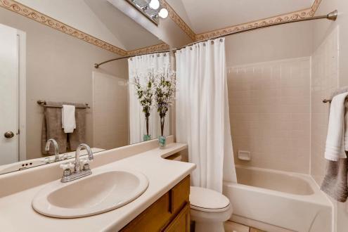 3062 W 107th Place G-large-008-1-2nd Floor Master Bathroom-1500x1000-72dpi