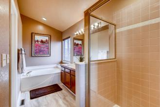 7094 Pike Ct Arvada CO 80007-large-014-2-2nd Floor Master Bathroom-1500x1000-72dpi