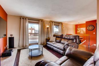 9302 Walden Ave Littleton CO-large-006-2-Living Room-1500x1000-72dpi