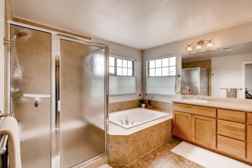 5065 Gladiola Golden CO 80403-large-019-19-2nd Floor Master Bathroom-1500x1000-72dpi