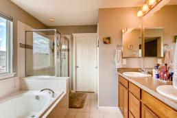 5783 Devils Head Ct Golden CO-MLS_Size-018-21-2nd Floor Master Bathroom-1800x1200-72dpi